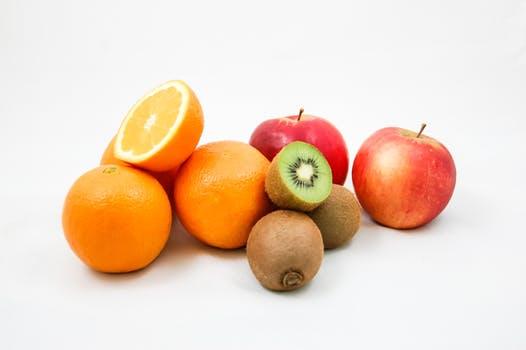 apples-kiwi-oranges-fruit-51335.jpeg